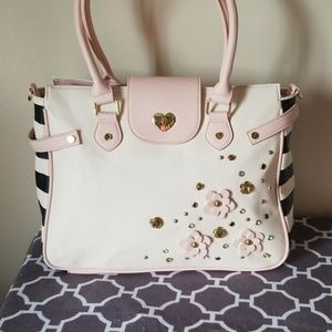 Betsey Johnson tote bag large purse zip